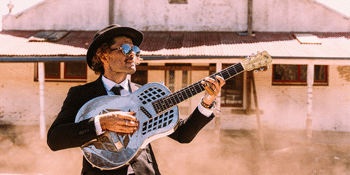 Ash Grunwald - Solo & Live